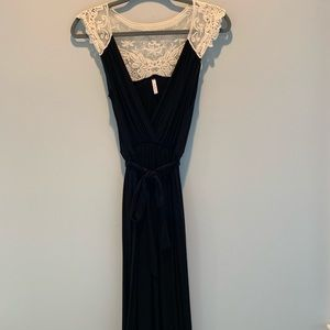 Pinkblush maternity/ nursing maxi dress with lace